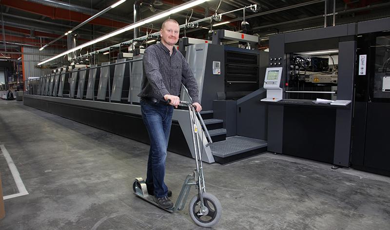 Die sich allerdings an dem bestehenden Standort in Marbach an der Donau nicht umsetzen lassen. Deshalb befindet sich das Unternehmen, wie die NÖN schon mehrfach berichtete, auf der Suche nach einem neuen Standort. Der Geschäftsführer,Hannes Sandler, will eine völlig energieautarke Druckerei aus dem Boden stampfen.