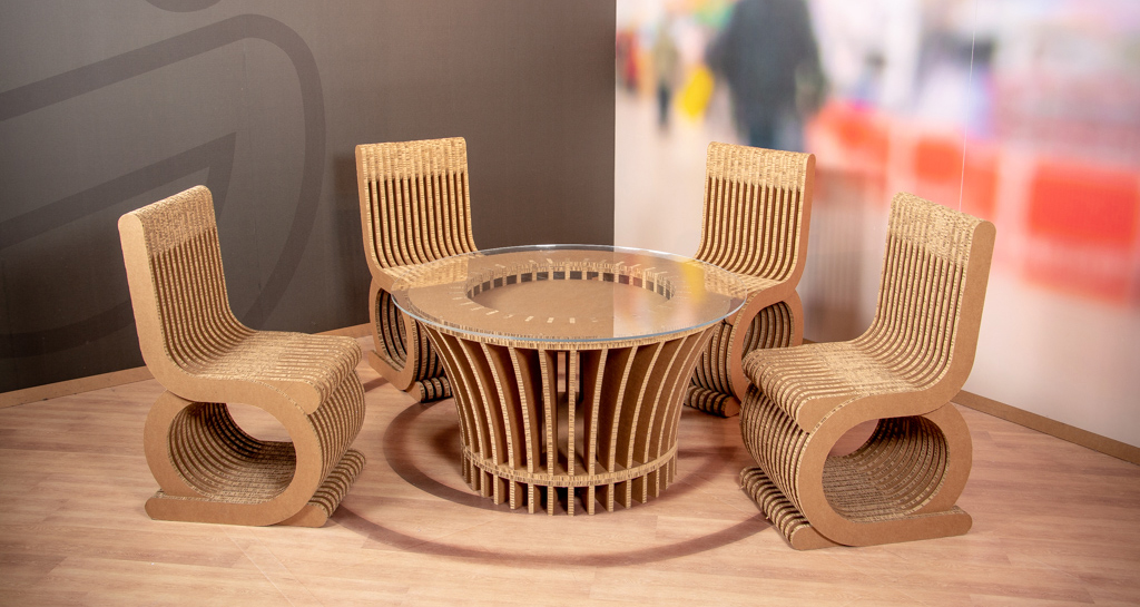 Möbel aus Karton