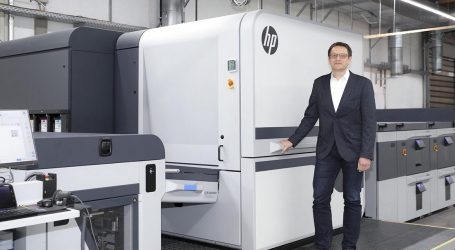Die erste HP Indigo 100 K geht an Onlineprinters